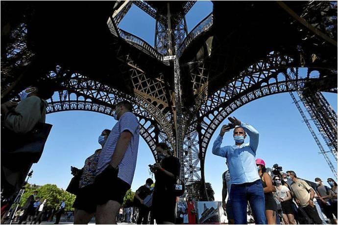 El Mundo vuelve al turismo
